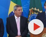 O presidente Jair Bolsonaro (o primeiro da direita para a esquerda) durante coletiva de imprensa (Marcello Casal Jr/ Agência Brasil)
