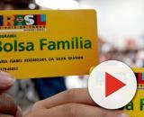Ônix Lorenzoni, ministro da Cidadania garantiu que os beneficiários do Bolsa Família serão os primeiros a receber. (Arquivo Blasting News)
