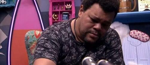 Babu chora com saudade de Prior no raio-X do 'BBB20'. (Reprodução/TV Globo)
