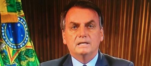 Bolsonaro pede desculpas por vídeo contendo informações não verídicas. (Arquivo Blasting News)