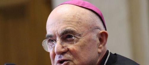 Coronavirus, l'arcivescovo Viganò: 'Punizione di Dio per i peccati dell'uomo'