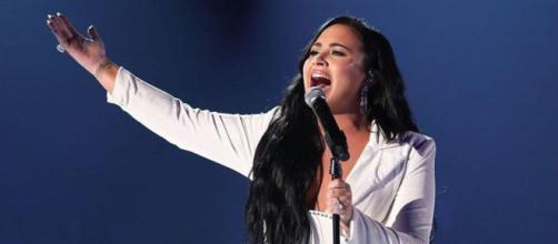 Demi Lovato faz parte do signo de Leão. (Reprodução/TNT/Instagram/@ddlovato)