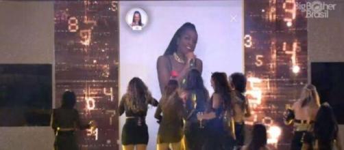 Iza canta música protagonizada por Pyong Lee nas festas e sisters se empolgam. (Reprodução/TV Globo)