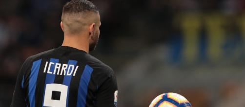 La Juventus tratta Icardi con l'Inter.