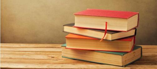 O hábito da leitura é excelente por inúmeros motivos. (Arquivo Blasting News)