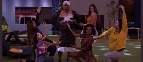 'BBB20': Babu arrasa de drag queen. (Reprodução/TV Globo)