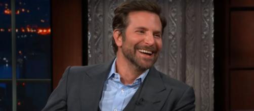 Bradley Cooper faz parte do grupo dos capricornianos. (Reprodução/Youtube/Stephen Colbert Show)