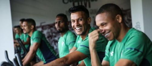 Elenco do Flu será ouvido antes de se definir volta aos treinos (Foto: Lucas Merçon - www.fluminense.com.br)