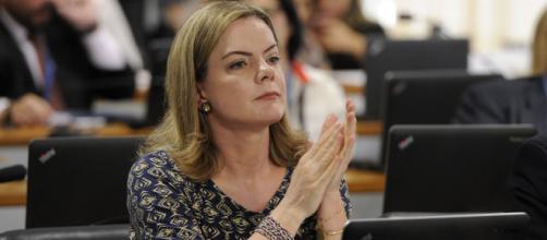 Gleisi Hoffmann cobra que STF se posicione contra Bolsonaro após fala sobre ditadura. (Arquivo Blasting News)
