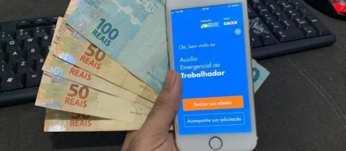 Internautas ao redor do Brasil reclamam sobre ainda não ter recebido o auxílio emergencial do governo. (Arquivo Blasting News)