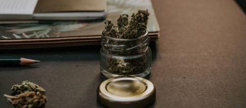 Les dealers de drogue connaissent des difficultés avec le Covid-19. Credit : Pexels/Yash Lucid