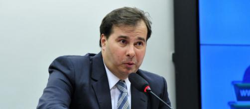 Rodrigo Maia afirma repudiar qualquer atitude de defesa à ditadura. (Arquivo Blasting News)
