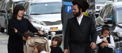 Una típica familia de judíos ultraortodoxos en Nueva York.