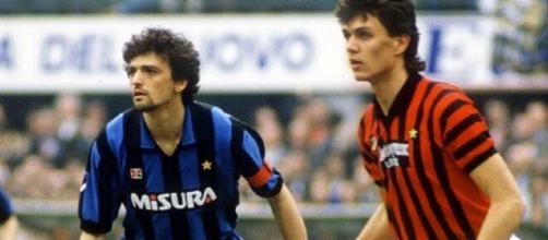 Alessandro Altobelli e Paolo Maldini in un derby della stagione 1985/86.