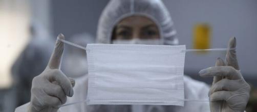 Coronavirus, Fase 2: l'uso delle mascherine potrebbe diventare obbligatorio. - Wired - wired.it
