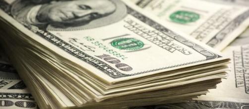 Dólar fecha a 5,32 nesta segunda-feira. (Arquivo Blasting News)