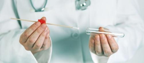 El primer kit para hacer el test de coronavirus en casa se comienza a comercializar en EEUU. - apuntoenlinea.net