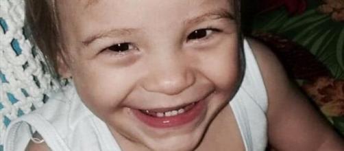 Mãe de Ísis Helena disse à polícia que filha sofreu convulsões. (Reprodução)