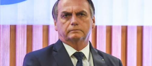 'Não sou coveiro, tá?', diz Bolsonaro sobre mortos por Covid-19. (Arquivo Blasting News)