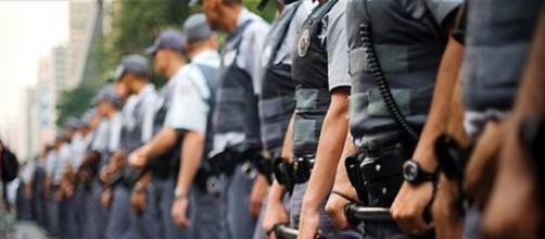 Policial militar é suspeito de agredir jovens que descumpriram medidas de quarentena em SP. (Arquivo Blasting News)