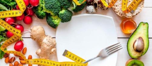 Boa alimentação é importante para reforçar a imunidade. (Arquivo Blasting News)