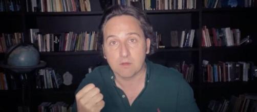 Iker Jiménez durante la emisión en su canal de Youtube.