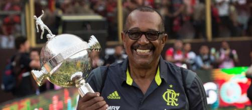 Jorginho está no CTI e inspira cuidados. (Alexandre Vidal/CR Flamengo)