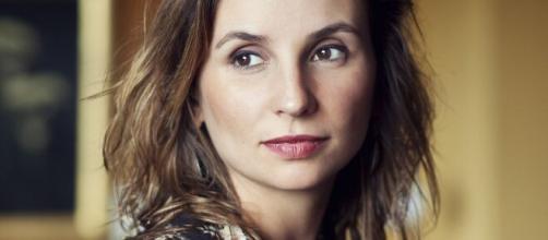 La cineasta brasilera Petra Costa está haciendo su próximo documental colaborativo 'Dystopia'.