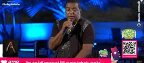 Luiz Carlos cantou vários sucessos do Raça Negra. (Reprodução/YouTube).