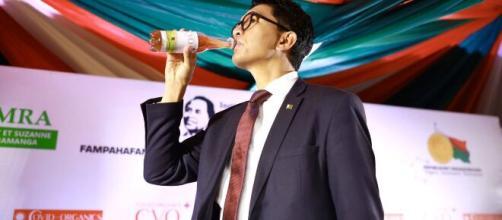 Madagascar president Andry Rajoelina unveils a local herbal remedy ... - lindaikejisblog.com