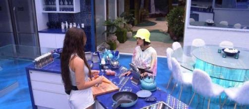 No 'BBB20', Rafa e Manu quase discutiram por causa de comida. (Reprodução/TV Globo)