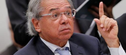 Paulo Guedes demonstra visão otimista sobre crise e afirma que o Brasil pode se recuperar. (Arquivo Blasting News)