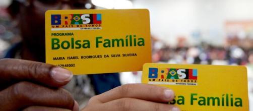 Ajuda emergencial de R$ 600 é depositada automaticamente na conta do titular do Bolsa Família (Arquivo Blasting News).