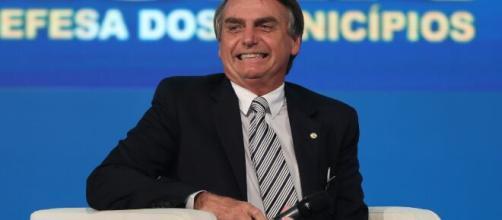 Bolsonaro se aproxima de partidos de centro e tenta antecipar disputa Câmara dos Deputados. (Arquivo Blasting News)