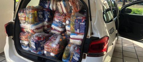 Cestas básicas são distribuídas para famílias mais carentes. (Daniel Souza/Acervo pessoal)