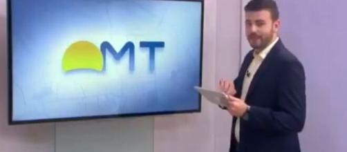 Douglas Belan, apresentador da TV Centro América, mostrou um nude durante a apresentação ao vivo. (Reprodução/TV Centro América)