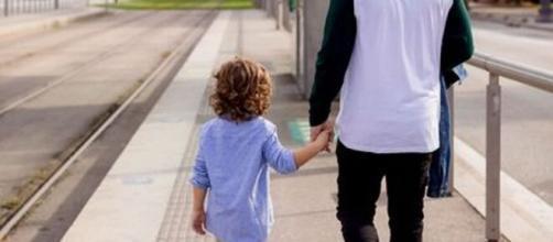 Hasta tres niños por adulto podrán salir desde el domingo y llevar pelota o patinete.