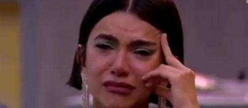 Manu voltou a criticar os dias a mais que o programa terá. (Foto: Globo).