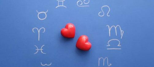 Os sinais que os signos dão quando se apaixonam por alguém. (Arquivo Blasting News)