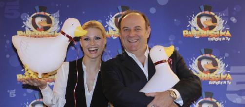 Paperissima: venerdì 24 aprile 2020 in tv su Canale 5 e in streaming online su Mediaset Play - fanpage.it