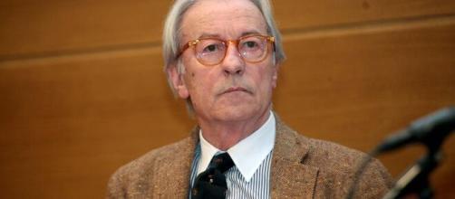 Vittorio Feltri denunciato dal sindaco di Cinquefrondi per ingiurie verso i meridionali.