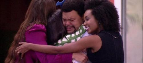Babu motiva sisters após choro de Manu no 'BBB20'. (Reprodução/TV Globo)