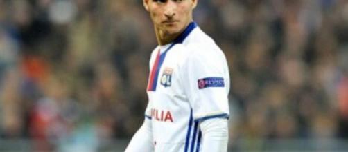 Houssem Aouar, centrocampista del Lione.