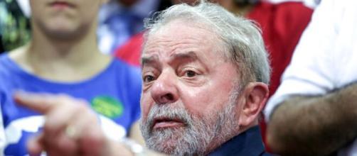 Lula critica atual presidente da república. (Arquivo Blasting News)