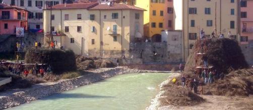 Pisa, scomparsa Claudia Meini: ritrovata una ciabatta, sarebbe della giovane mamma