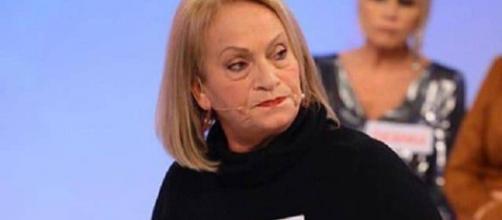Uomini e Donne, l'ex dama Angela: 'Sembra tutto pilotato, Gemma è un'attrice e mi fa pena'.