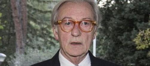 Vittorio Feltri attaccato da numerosi v.i.p del sud.