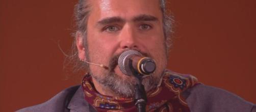 Roberto Alessi fa un video su Ig per Yari Carrisi: 'Chiedi scusa, capita di sbagliare'.