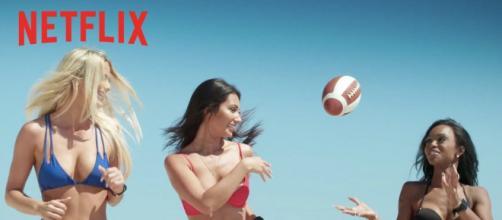 Brincando com fogo estreou na Netflix no último dia 17 de abril. (Reprodução/ Netflix)