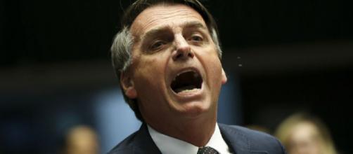 El presidente de Brasil Jair Messias Bolsonaro acusado por ministros de Salud por genocidio a causa de su gestión por la pandemia de coronavirus.